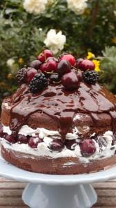 tarta de moras y cerezas