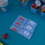 mesa de dulces de Caillou
